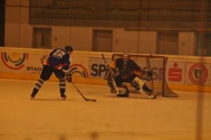 24-25-03-12-2-Eishockeywe10