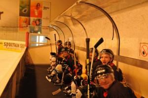 24-25-03-12-2-Eishockeywe3